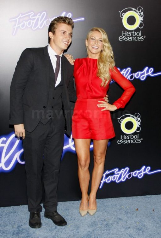 Footloose Premiere_10_4_11_01